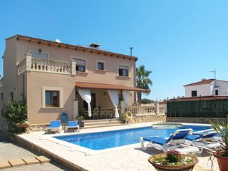 5 bedroom Villa with Pool and WiFi - 5702094