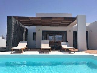 2 bedroom Villa in Playa Blanca, Canary Islands, Spain : ref 5700472