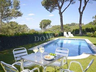 3 bedroom Villa with Pool - 5623031