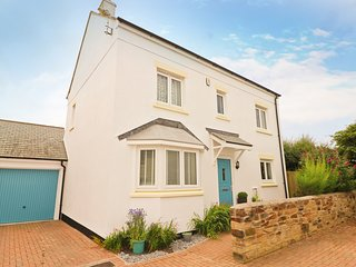 Modern holiday home, central St Merryn