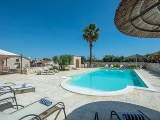 7 bedroom Villa in Castellana Grotte, Apulia, Italy : ref 5702014