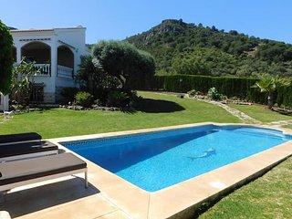 Villa con panoramicas sobre el mar y la montana