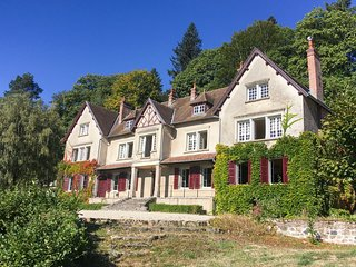 7 bedroom Chateau in Saint-Prix-les-Arnay, France - 5702430