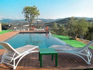 2 bedroom Villa with Pool and WiFi - 5719097