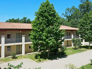 Azille Apartment Sleeps 8 with Pool and WiFi - 5702170