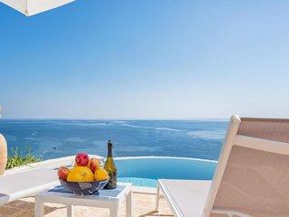 2 bedroom Villa in Castro, Apulia, Italy : ref 5700626