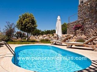 2 bedroom Villa in Ortakent, Muğla, Turkey : ref 5700571
