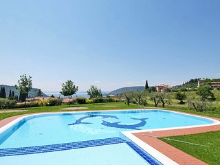 2 bedroom Apartment in Costermano, Veneto, Italy - 5702476