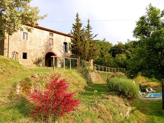4 bedroom Villa in Cigliano, Tuscany, Italy : ref 5702591
