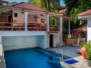 Isaac's Villa by Vista Rooms