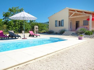 3 bedroom Villa in Sainte-Jalle, Auvergne-Rhone-Alpes, France : ref 5702226