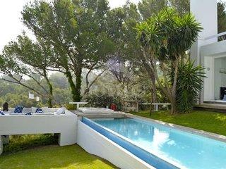 Begur Villa Sleeps 10 with Pool and WiFi - 5623742