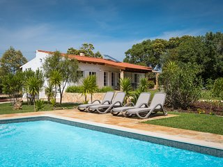 Villa with free Wi-Fi | A/C | private heated pool | garden [RMJ01]