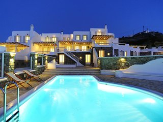 9 Muses Villa Thalia 5 BR with private pool!