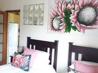 Blue Sea 4 sleeps  x 3 (Pay pp) Different premises as other three units