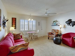 Sunset Chateau #412 - Lovely beachfront condo/ 2BR on popular Sunset Beach!