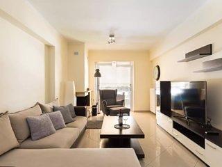 Modern Luxury 2 Bedroom Apartment near the center, location de vacances à Kamatero