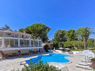 Villa del Sole -Complex with Private  pool in Apulia , sleeps 18 people