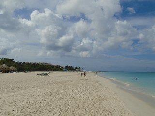 New Aruba Condo 5 min. from Eagle beach