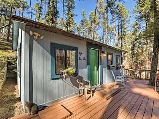 Cozy Ruidoso Cabin w/ Decks - 1 Mile to Downtown!