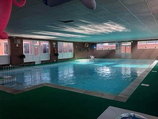 Sunshine chalet Hemsby  with free swimming