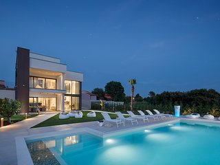 Villa PS Deluxe, Pula, Luxury design villa + free premium guided tour