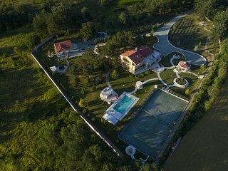 Monte Pin Estate, Istria, 50000m2 + free Speleo adventure