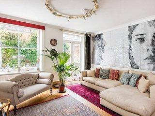 Artistic 3 bed garden flat, beautiful Notting Hill