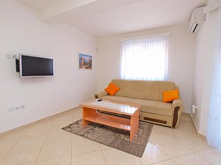 Cozy apartment in the center of Medulin with Parking, Internet, Air conditioning