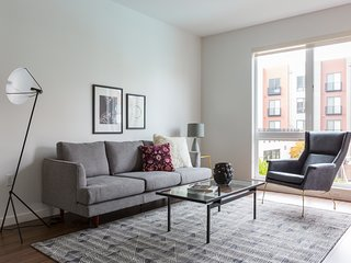 Sonder | Mountain View Suites | Lovely 1BR + Pool