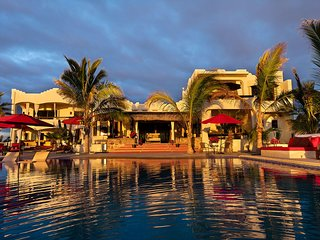 6500 sq. ft beach front Villa. Rent 1 up to 3 private Casitas