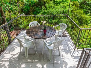 Cozy apartment in Budva with Internet, Air conditioning, Balcony