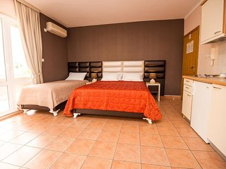 Cosy studio close to the center of Budva with Parking, Internet, Air conditionin