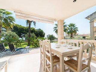 Apartamento SUN OF THE BAY 3A con salida directa a la playa Alcudia, jardín, Wif