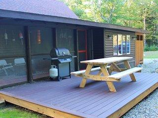 New Boothbay Harbor Cabin, Outdoor Shower, Beach & Dock Access, Mooring