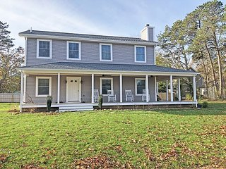 New Oak Bluffs Home Close to Town