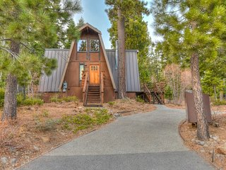 Tahoe City Chalet w/ Tahoe Park HOA Amenities