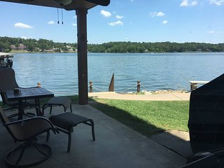 Lake vacation? Look no further!! Unobstructed lake view