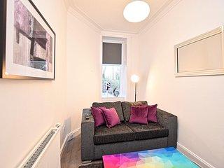 Tollcross Park Apartment