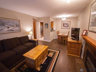 Stoney Creek Northstar 32 - Renovated, ground floor condo in Whistler Village
