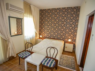 Boskovic Double Room No. 6 first floor