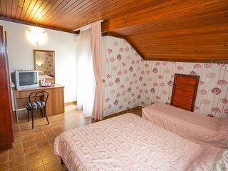 Boskovic Triple room No. 10, Attic