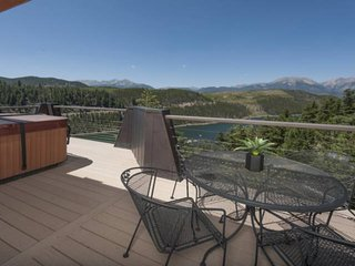 New! Breathtaking Panoramic Views From Ridge Overlooking Lake Dillon.  Clubhouse