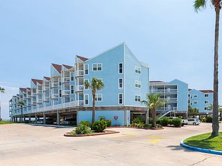 3BR Beachfront Condo at Seascape Resort