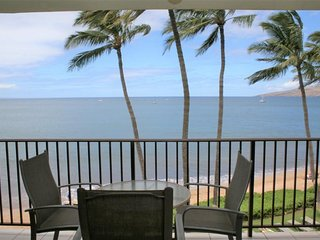 Vacation on the Beach - Awesome Views  - Kihei Beach #404