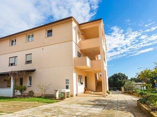 Apartment 20556