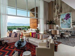 Grand Luxxe 3 Bedroom Residence Loft