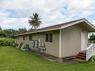 Hauula Studio Hideaway - New AC added! Experience Hawaii for a very low cost!
