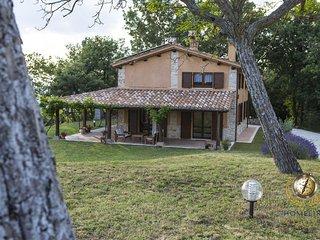 Cozy Villa in the San Vicino Mountains