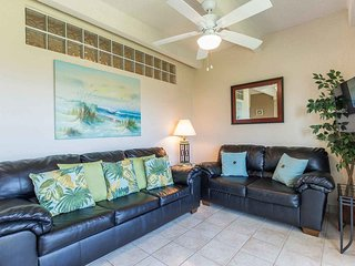 Aquarius 206 - Entire Condo located on 2nd floor, Ocean Views from Private
